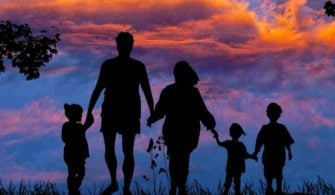 aile-yetiskin-ebeveyn